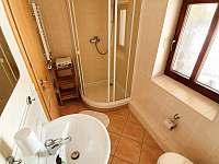 Koupelna pro pokoj 1 - chalupa k pronajmutí Strážné