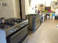 kuchyně - chata k pronájmu Horní Mísečky