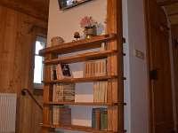Obývací pokoj s televizí - Roubenka