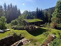 venkovní posezení - chalupa k pronajmutí Jablonec nad Jizerou - Blansko
