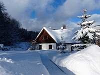 Domeček v zimě