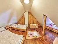 Pokoj 3 - ložnice - pronájem chalupy Žacléř - Prkenný Důl