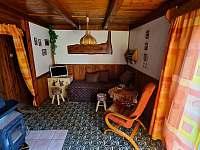 Obývací část - chata k pronájmu Oblanov