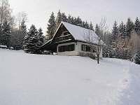 chata v zimě - Háje nad Jizerou