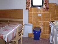 kuchyň - chata k pronájmu Háje nad Jizerou