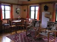 obývací pokoj - chata k pronajmutí Háje nad Jizerou