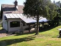 venkovní dril s posezením - pronájem chaty Háje nad Jizerou