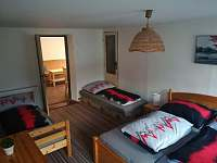čtyřlůžkový pokoj s koupelnou v prvním patře - chata k pronájmu Rokytnice nad Jizerou