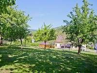 zahrada u chalupy - pronájem chaty Rokytnice nad Jizerou