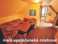 Společenská místnost 1. patro - chata k pronájmu Rokytnice nad Jizerou