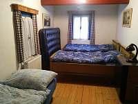 Modrá část ložnice - pronájem chalupy Horní Brusnice