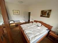 1. ložnice - pronájem apartmánu Hertvíkovice