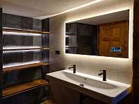 dámská koupelna s toaletou - chalupa k pronajmutí Harrachov - Ryžoviště