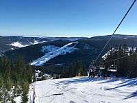 Pohled z lanovky na Hnědý vrch - Pec pod Sněžkou