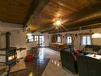 obývací pokoj - chalupa k pronajmutí Horní Maršov