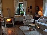 Obývací pokoj - rekreační dům k pronajmutí Trutnov