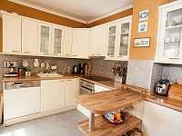 Plně vybavená kuchyně - rekreační dům k pronájmu Trutnov