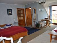 Prostorná ložnice v patře - Trutnov