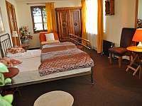 Stylová ložnice v přízemí - Trutnov