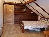 Pokoj 2 se sdilenou koupelnou - chalupa k pronájmu Vítkovice v Krkonoších