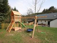 Dětské hřiště - pronájem chalupy Radvanice - Slavětín