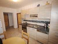 Kuchyně II - chalupa k pronajmutí Radvanice - Slavětín