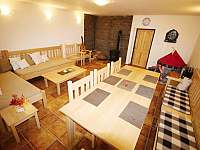 Společenská místnost - chalupa ubytování Radvanice - Slavětín