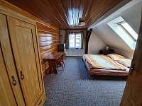 Ložnice 3 s koupelnou v 2NP - Dolní Rokytnice