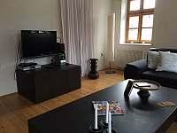 Obývací pokoj - pronájem chalupy Čermná