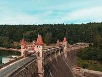 Přehrada Les Království - chalupa k pronájmu Čermná