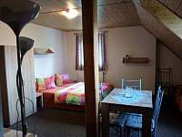 Pokoj 4 v patře pětilůžkový - Strážné