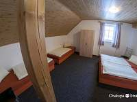 Pokoj 5 v patře čtyřlůžkový - pronájem chalupy Strážné