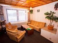 Obývací pokoj - chalupa k pronájmu Benecko