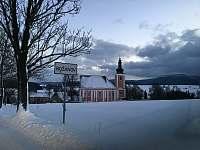 Božanov kostel v zimě -