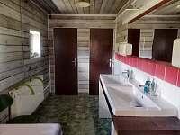 Koupelna č.2 s masážní vanou, umývárnou + 2x toaleta. - Mostek - Souvrať