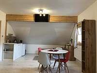 Pokoj s kuchyňským koutem - apartmán k pronajmutí Pec pod Sněžkou