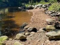 Lze i vykoupat na písčině u řeky Jizery (pro otužilce). - Rokytnice nad Jizerou - Vilémov