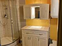 Sprchový kout po částečné rekonstrukci. - chalupa ubytování Rokytnice nad Jizerou - Vilémov