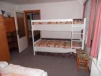 pokoj v přízemí (2. ložnice)