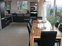 vila Anežka jídelní stůl s kuchyní - pronájem Žacléř