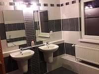 vila Anežka luxusní koupelna v patře - k pronajmutí Žacléř