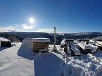 koupací sud a sezení (panorama) - Pec pod Sněžkou