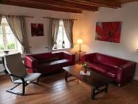 chalupa POD LESEM čp. 7 - obývací pokoj - ubytování Žacléř