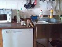kuchyň, myčka, dřez