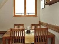 kuchyňský stůl - apartmán k pronajmutí Rokytnice Nad Jizerou - Horní Rokytnice