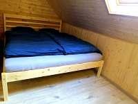 Manželská postel v 2. ložnici - Poniklá - Jilem