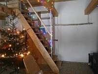 Obývací pokoj s kuchyní - pronájem chalupy Rudník
