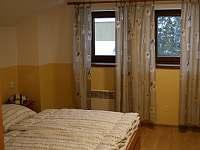 ložnice 2 dvoulůžka - chata k pronajmutí Dolníky u Trutnova