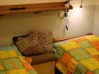 ložnice 2xjednolůžko - pronájem chaty Dolníky u Trutnova