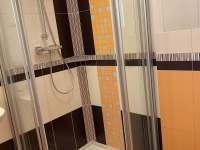 Koupelna se sprchovým koutem v přízemí - Žacléř